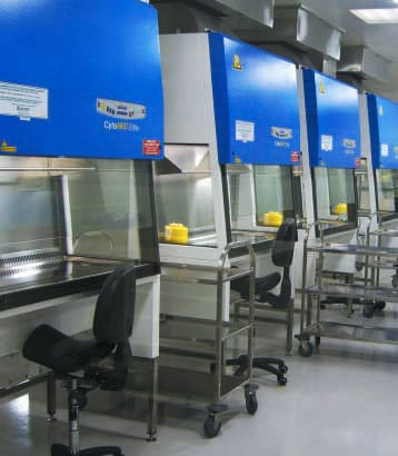 Pharmaceutical manufacturing installation
